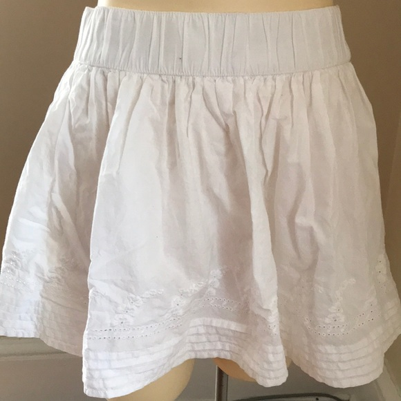 c61b9d5f1 H&M Skirts | Hm Divided White Cotton Mini Skirt Size 6 | Poshmark